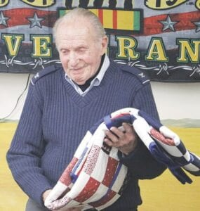 Cal Juved tình nguyện cho Lực lượng Không quân Hoa Kỳ và từng là phi công chiến đấu ở Đức, Ý, Việt Nam, Thái Lan và Philippines.