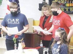 Là một phần của buổi lễ, các thành viên của Tổ chức Cách mạng Trẻ em Mark và Chương Henry Shell (CAR) của Cách mạng Hoa Kỳ đã đọc Đài tưởng niệm Người đàn ông mất tích, được trình bày bởi chương NIPPING của DAR.