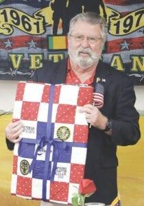 Dave Gardiner được nhập ngũ vào Quân đội Hoa Kỳ và làm dược sĩ tại Hàn Quốc.
